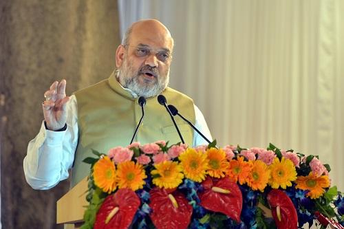 अमित शाह ने दिल्ली-कटरा वंदे भारत एक्सप्रेस को दिखाई हरी